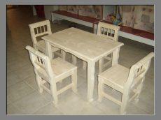Gyermekasztal 80*50*55